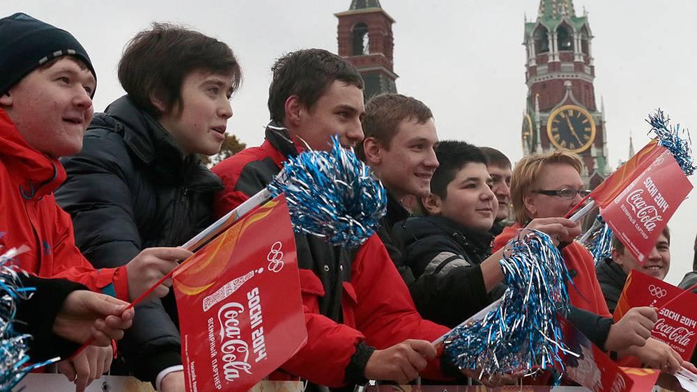 Старт первого этапа эстафеты олимпийского огня по территории России на Красной площади. Фото ИТАР-ТАСС/ Михаил Метцель