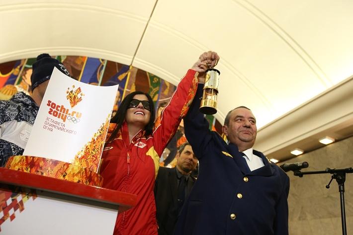Олимпийский огонь в московском метро
