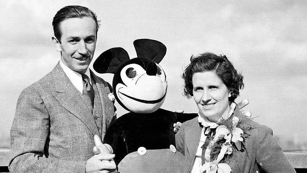 Уолт Дисней со своей женой Лилиан. 1934. Фото АР