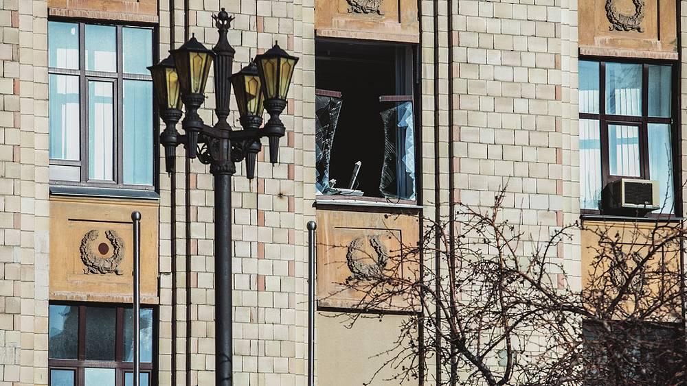 Окна в здании Южно-Уральского государственного университета. Фото ИТАР-ТАСС/ Евгений Хажей