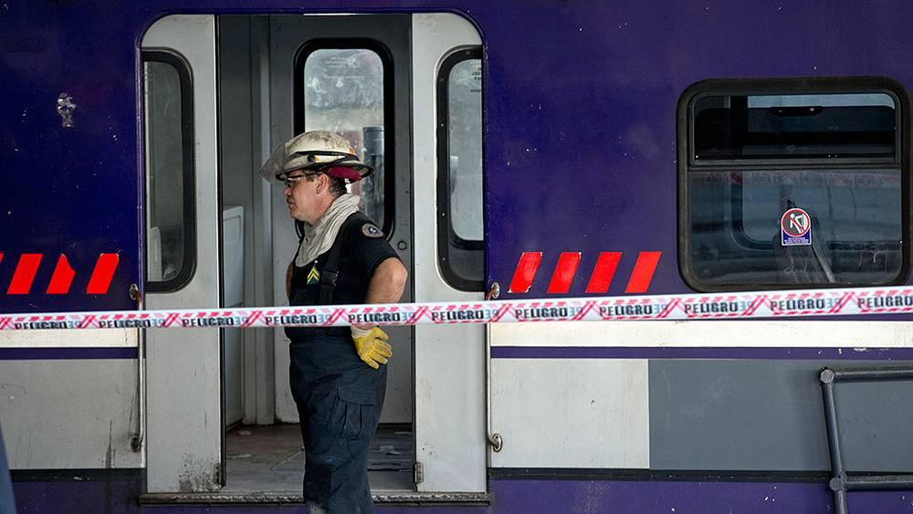 Последствия аварии пригородного поезда в Буэнос-Айресе. Фото AP Photo/Natacha Pisarenko