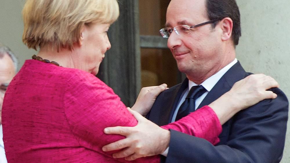 С  Франсуа Олландом, премьер-министром Франции.2013 Фото EPA/ETIENNE LAURENT