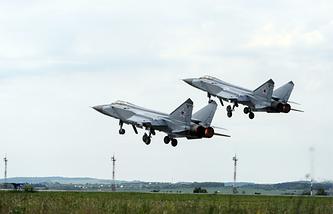 Истребители-перехватчики МиГ-31