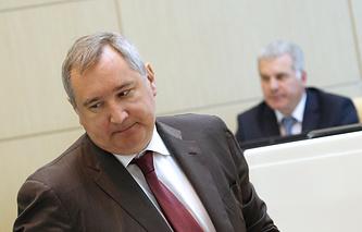Вице-премьер РФ Дмитрий Рогозин на заседании Совета Федерации РФ