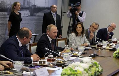 """""""Открытая дискуссия"""" Владимира Путина с журналистами. Видеотрансляция"""