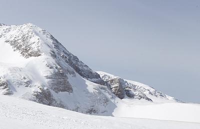Снежные горы и горячие источники: зачем зимой ехать в Адыгею