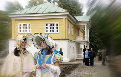 В нижегородском Болдино туристов приглашают на бал пушкинской эпохи