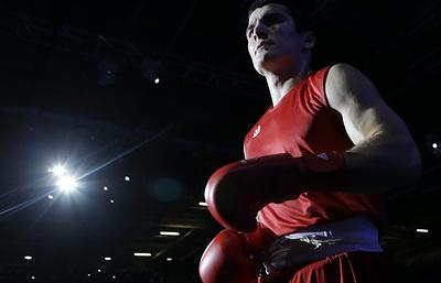 Российский боксер Бетербиев проведет бой с кубинцем Баррерой 21 апреля в Майами