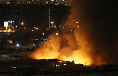 Пожар на Мытищинской ярмарке, полыхавший более суток, удалось потушить