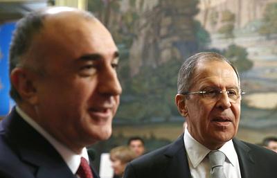 Главы МИД РФ, Азербайджана и Армении выступили за выполнение договоренностей по Карабаху