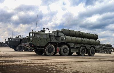 Ракетные системы С-300 и С-400 провели боевые пуски на полигоне Ашулук