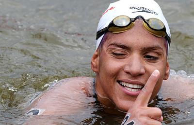 Бразильянка Кунья завоевала золото на дистанции 25 км в плавании на открытой воде на ЧМ