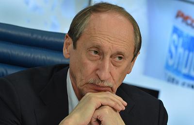 Балахничев назвал незначительным фактом лишение почетного членства в совете ЕАА