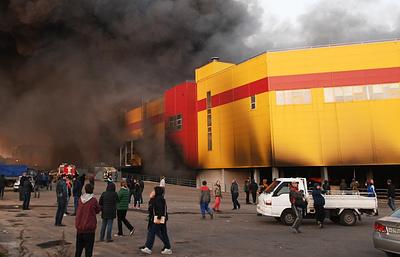 Спасатель рассказал, как арендаторы осложняли тушение пожара в ТЦ «Синдика»