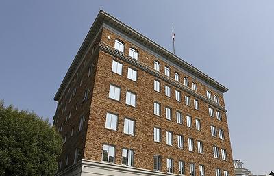 Власти США не дали вывезти архив из генконсульства РФ в Сан-Франциско