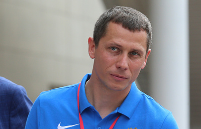 Тренер российских легкоатлетов Борзаковский доволен ходом подготовки команды к сезону