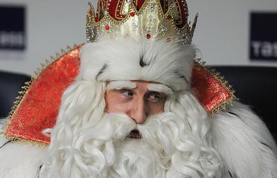 Россияне просят у Деда Мороза жениха, металлоискатель и снижения ставки по ипотеке