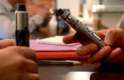 Минздрав: электронные сигареты нельзя называть безопасной альтернативой обычным