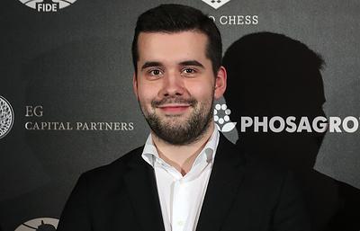 Непомнящий победил Карлсена и вышел в единоличные лидеры этапа Гранд-тура в Лондоне