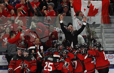 Канадцы спустя три года выиграли молодежный чемпионат мира по хоккею