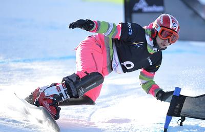 Сноубордистка Тудегешева стала второй в параллельном слаломе на этапе КМ в Австрии