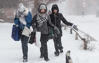 В регионы России пришли морозы, снег и ледяной дождь