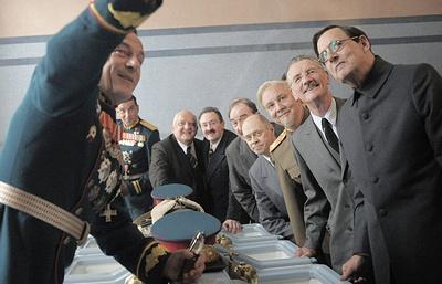 """Юристы Минкультуры просят отозвать прокатное удостоверение у фильма """"Смерть Сталина"""""""