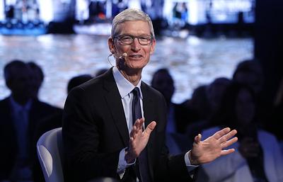 Почему iPhone покупают все меньше, но Apple это не пугает
