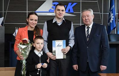 38 работникам Машиностроительного завода имени М.И.Калинина вручили ключи от новых квартир