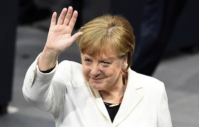 Путин поздравил Меркель с переизбранием федеральным канцлером ФРГ