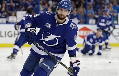 """Хоккеист """"Тампы"""" Кучеров признан третьей звездой дня в НХЛ"""