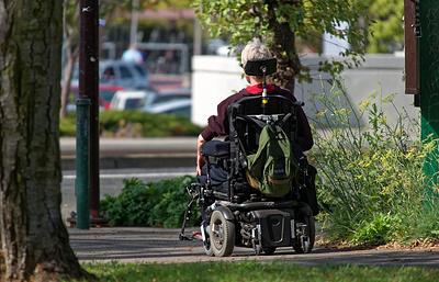 В России оценили доступность потребительских услуг для людей с инвалидностью