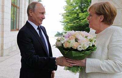 """Яровая прокомментировала статью Bild об """"оскорбительном"""" букете Путина для Меркель"""