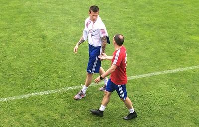 Дзюба и Дзагоев тренируются в общей группе сборной России, Смолов - индивидуально