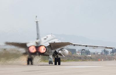 За неделю в Россию из Сирии вернулись 11 летательных аппаратов