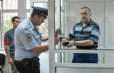 Суд приговорил к шести годам колонии экс-замглавкома ВВ МВД Варчука по делу о взятке
