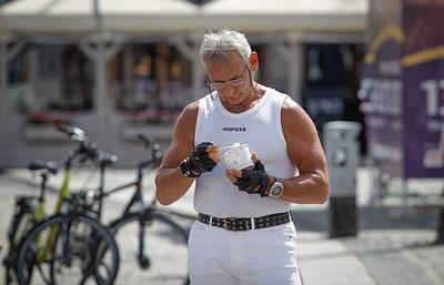 Ученые выяснили, что мужчины худеют на диетах быстрее женщин