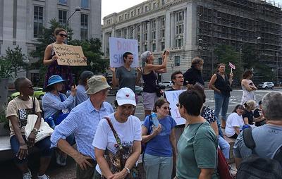 Вашингтон готовится к массовым выступлениям по случаю годовщины событий в Шарлотсвилле