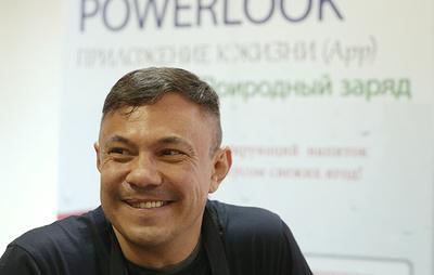 Цзю: идея проведения боя между Нурмагомедовым и Мэйуэзером является лишь частью шоу