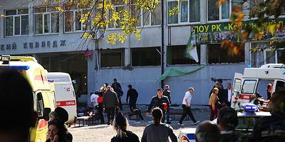 """""""Мальчишки даже раненые помогали другим"""". Как спасали друг друга студенты колледжа в Керчи"""