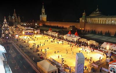 В Москве начали работать два главных катка города
