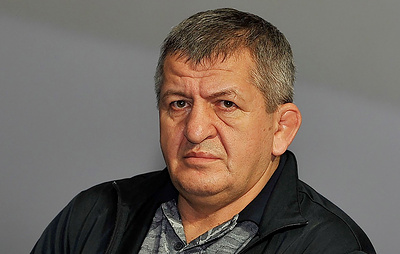 Отец Нурмагомедова: бои с Мэйуэзером и Макгрегором являются наиболее выгодными для Хабиба