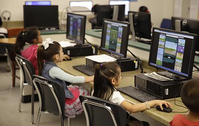 Ученые выяснили, что компьютерные игры и интернет замедляют развитие мозга ребенка