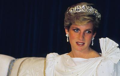 СМИ: шелковое платье принцессы Дианы ушло с молотка на торгах в Лондоне за $202 тыс.