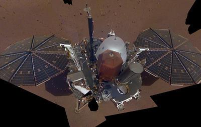 """Автоматическая межпланетная станция Mars InSight сделала первое """"селфи"""" на Марсе"""