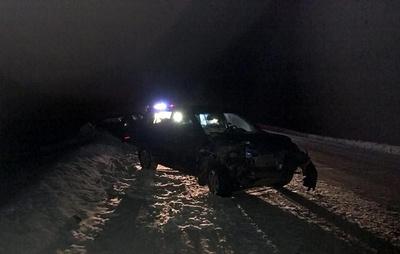 Четыре человека получили травмы в лобовом столкновении иномарок под Томском