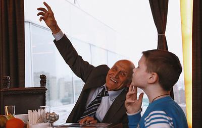 """Проект """"Мечтай со мной"""" реализовал мечту онкобольного мальчика встретиться с Дроздовым"""