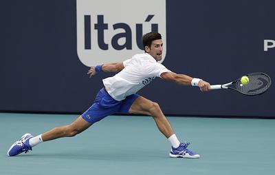Джокович уступил Баутисте-Агуту в четвертом раунде теннисного турнира в Майами