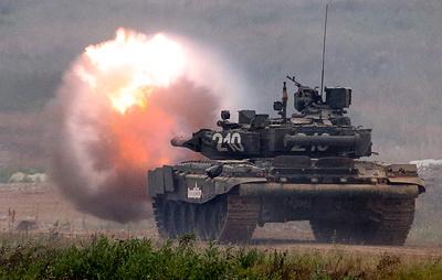 Опубликовано видео со стреляющим бревном танком Т-80