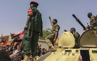 Военные перевороты и попытки отстранения военными глав государств за последние пять лет
